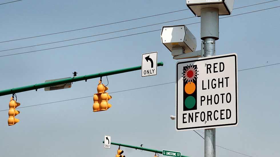 Más accidentes con la instalación de las cámaras de semáforo en rojo