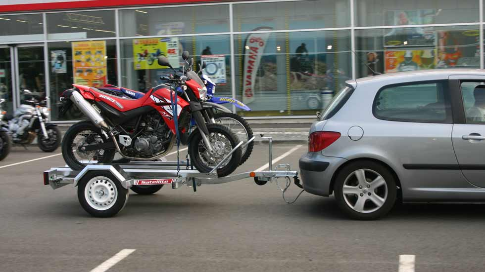 Dudas: ¿sufre mi coche por tirar de un remolque?