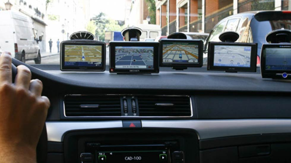 Dudas: ¿GPS navegador portátil o GPS navegador ya integrado en el coche?