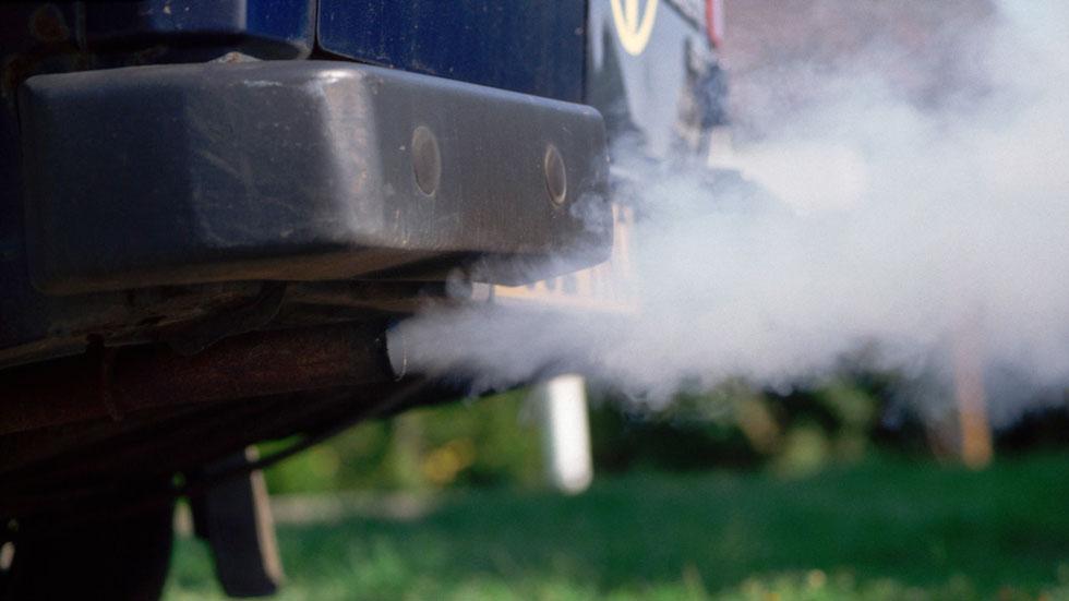 Test sorpresa de emisiones a los coches en carretera
