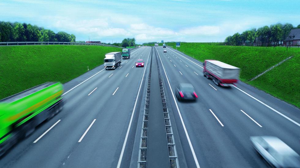 Los fabricantes de coches piden reasfaltar las carreteras para reducir las emisiones