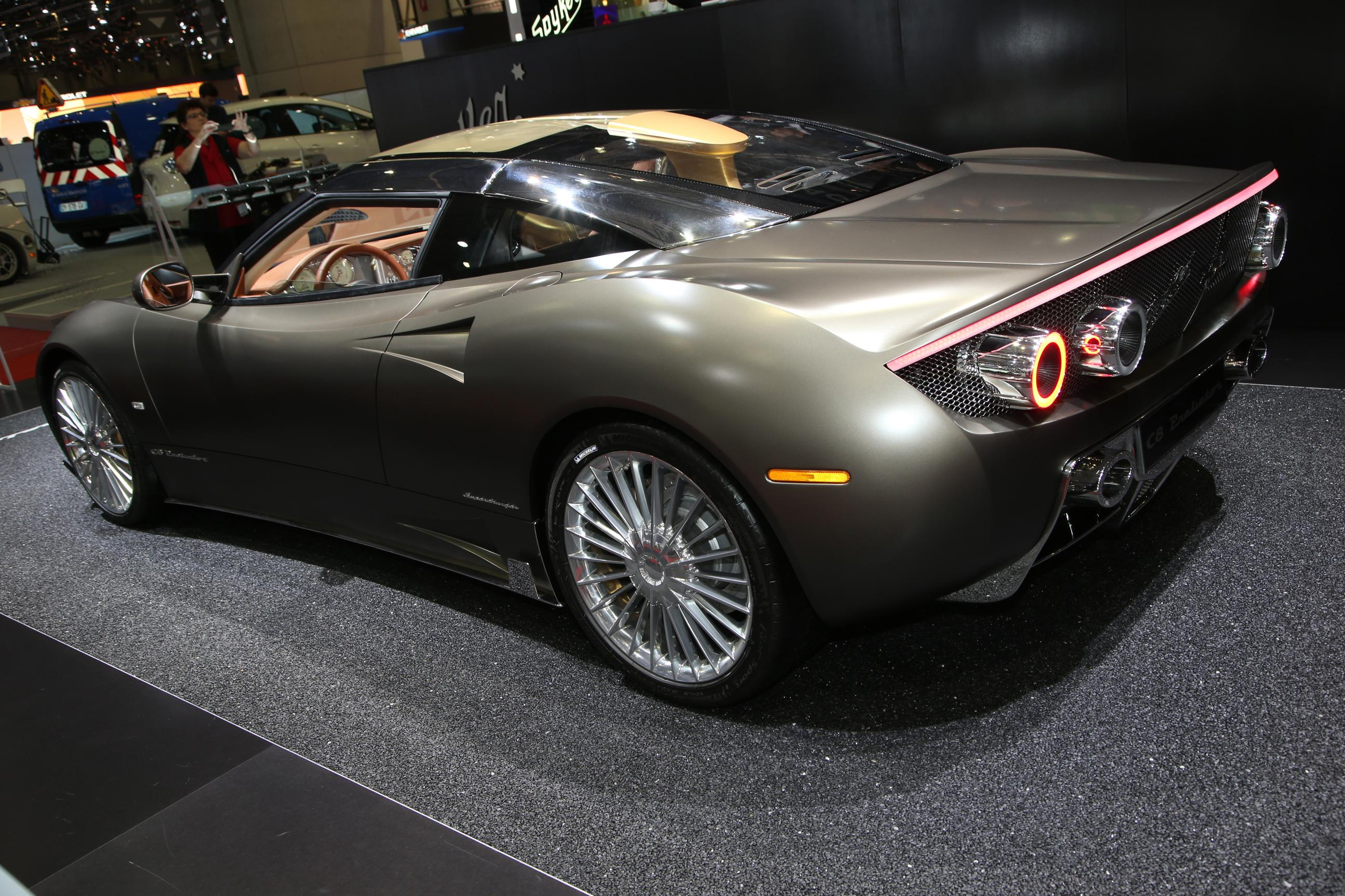 Spyker C8 Preliator, deportivo holandés hecho a mano