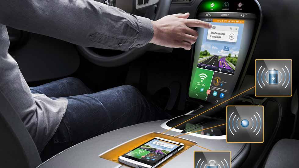 Dudas: apps de un smartphone en la pantalla del coche, ¿qué tal funcionan?
