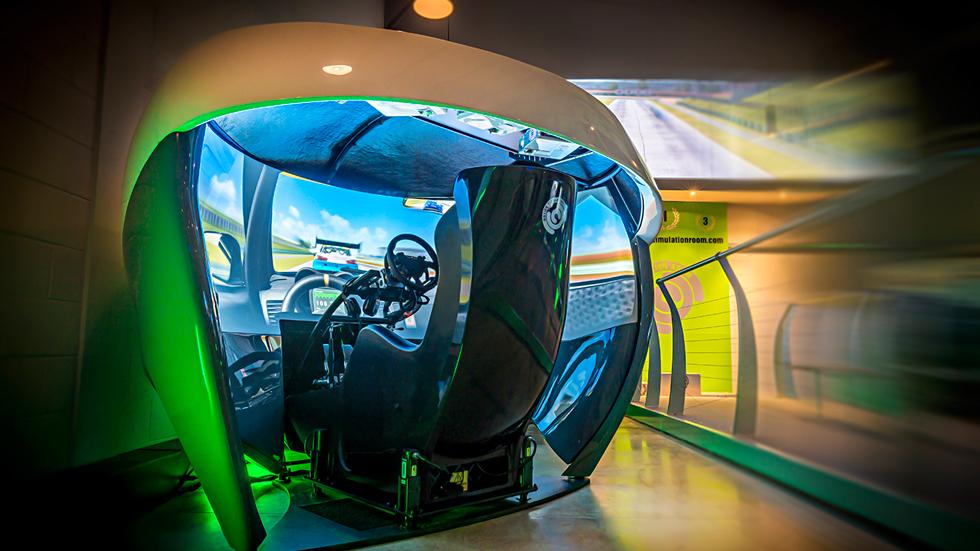 Los simuladores virtuales de carreras de coches más impresionantes, en vídeo
