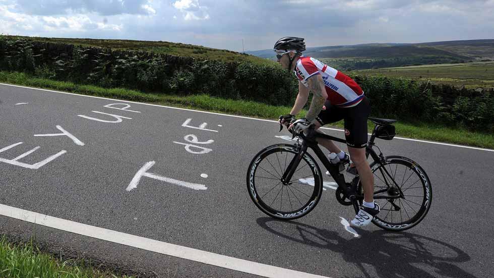 16 tramos nuevos y más seguros de carreteras para ciclistas