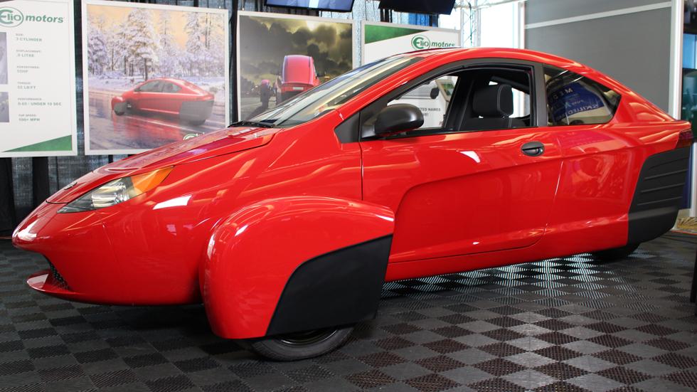 """Elio P5: el """"simpático"""" vehículo de tres ruedas retrasa sus entregas"""