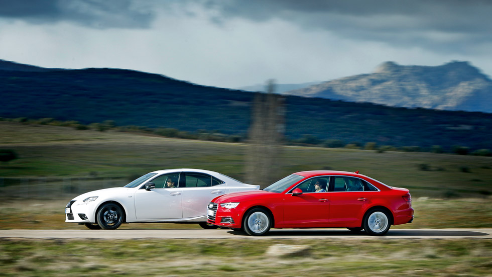 Audi A4 2.0 TFSI Ultra vs Lexus IS 300h, alternativas al Diesel