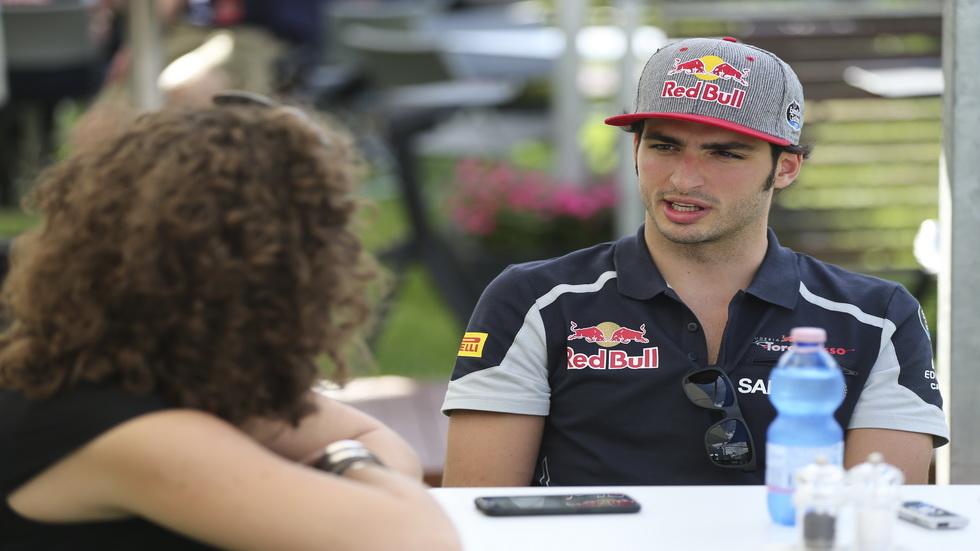 GP de Australia de F1: a Carlos Sainz le preocupa las limitaciones del uso de la radio