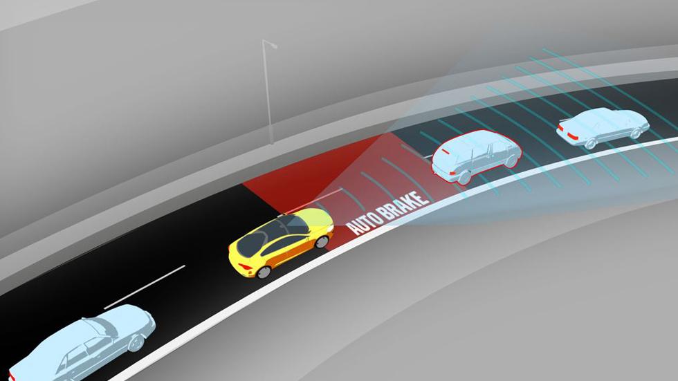La frenada automática de emergencia, de serie en los coches en 2022