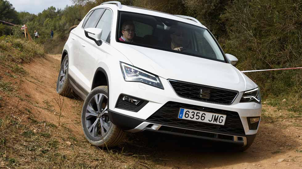 seat ateca probamos el suv de seat en campo. Black Bedroom Furniture Sets. Home Design Ideas