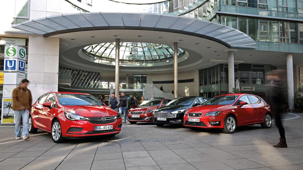 Opel Astra frente a Ford Focus, Peugeot 308 y Seat León
