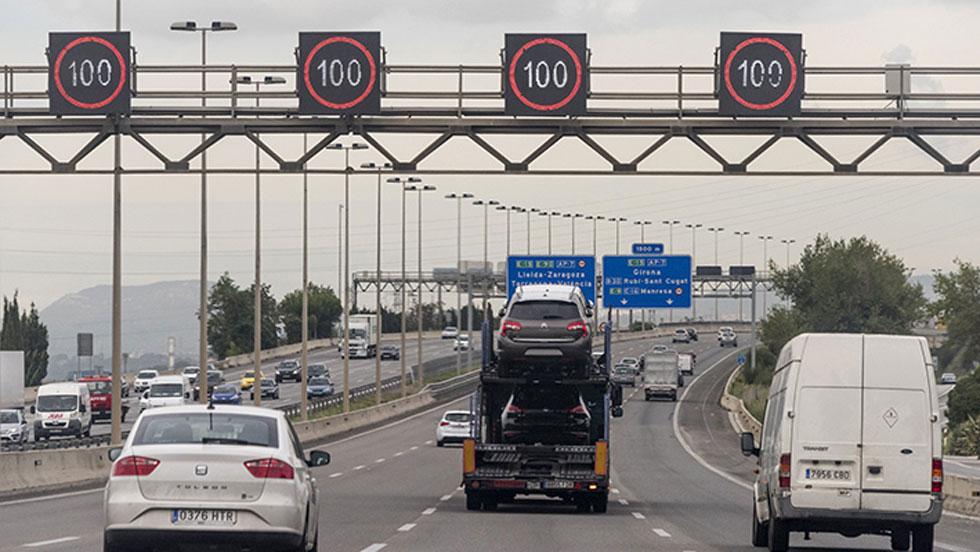 ¿Quién se ocupa del tráfico, la carretera y la seguridad vial?