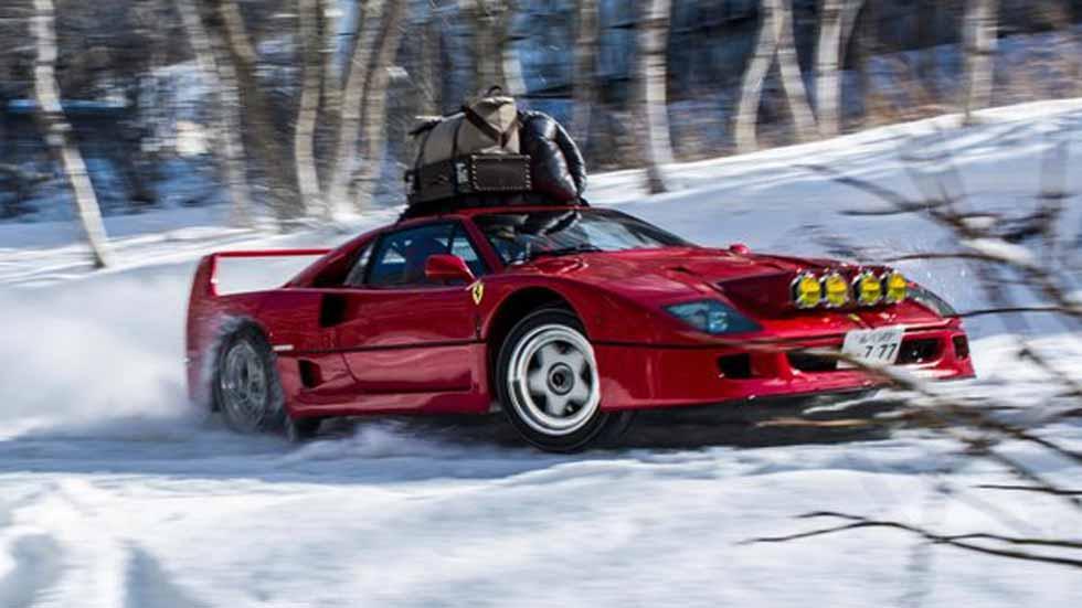 """Un """"día cualquiera""""... con el Ferrari F40 sobre nieve (vídeo y fotos)"""