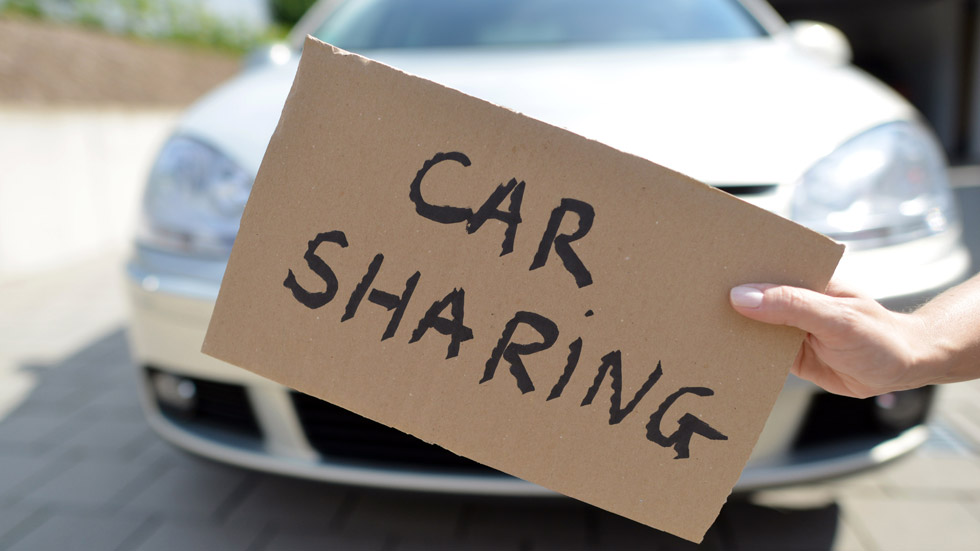 Sólo el 10 por ciento de los españoles comparte coche para ir al trabajo