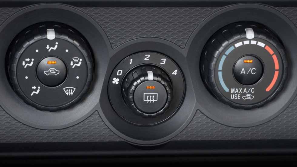 Dudas: ¿es malo tener conectado el aire acondicionado al arrancar el coche?