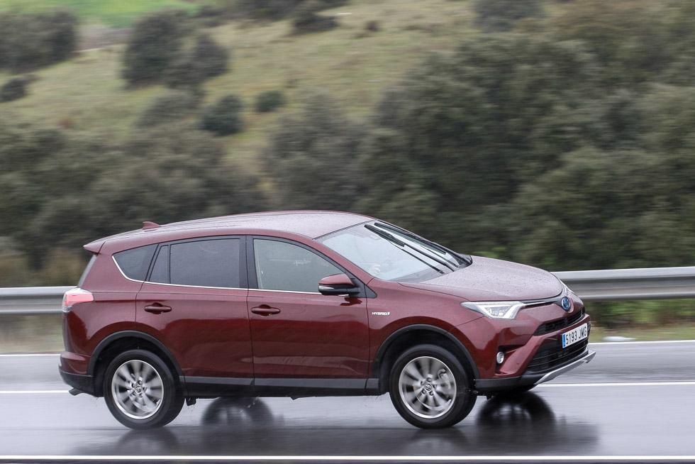 Toyota RAV4 hybrid AWD: consumo real y primeras impresiones