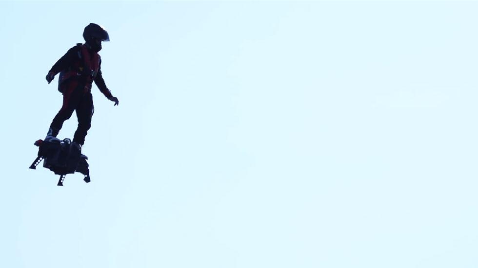 El monopatín volador que alcanza los 150 km/h (vídeo)