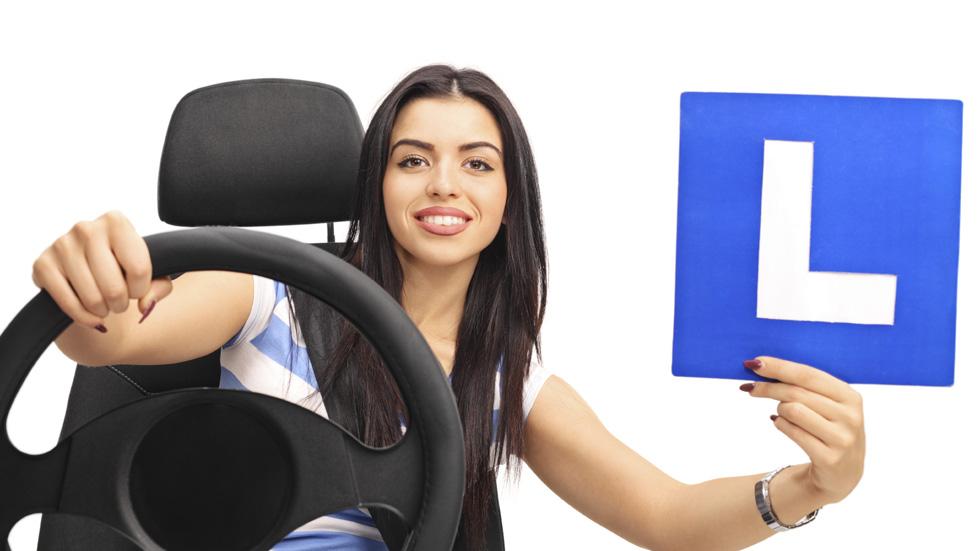 Los jóvenes conductores no salen preparados de las autoescuelas