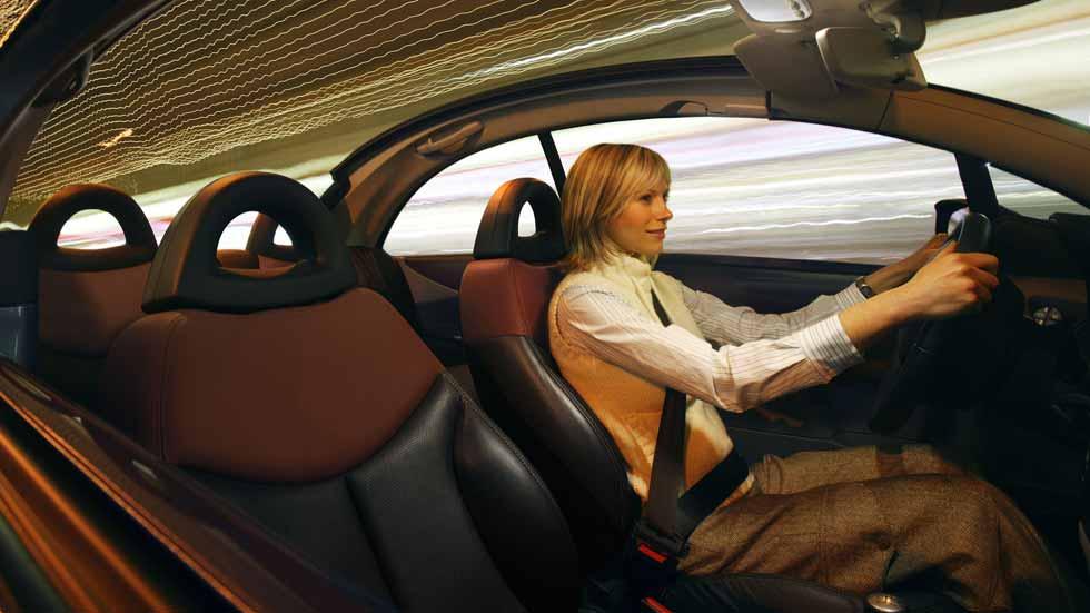 Arabia Saudí decidirá si las mujeres pueden conducir o no