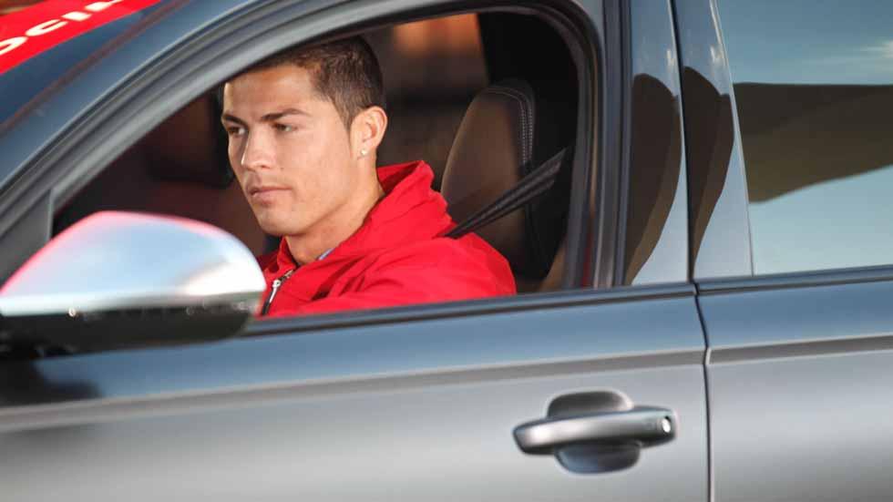 ¿Cuánto dinero se gastan los futbolistas en el seguro de sus coches?