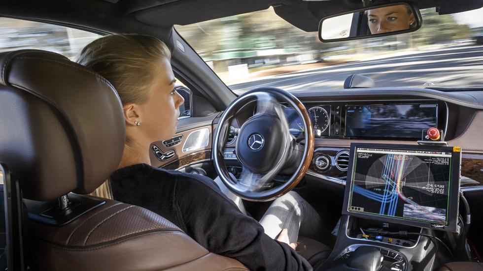 El 15 por ciento de los coches vendidos en 2030 serán autónomos