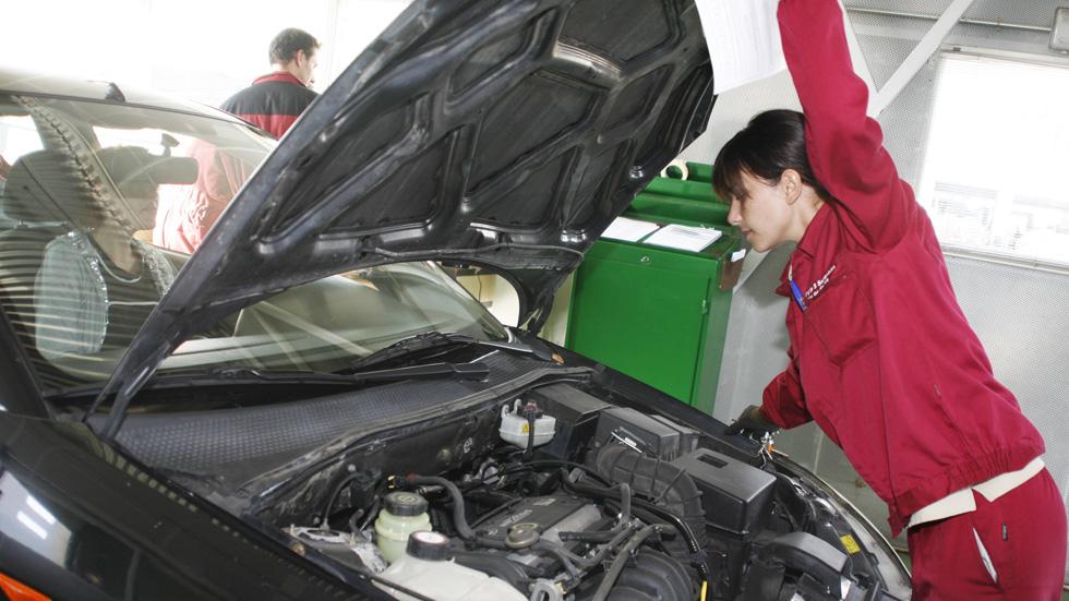 Las ITV controlarán la electrónica y las emisiones de los coches
