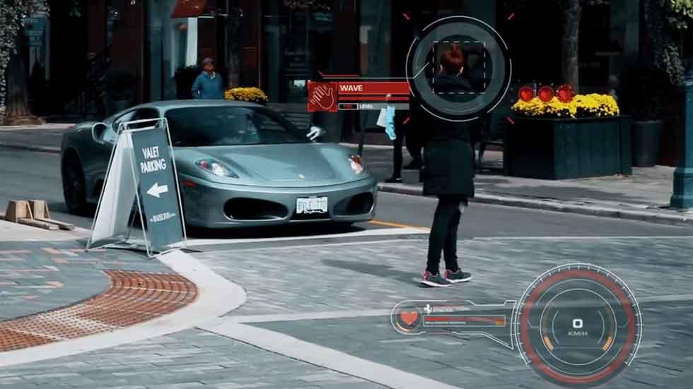 Experimento social: ¿los Ferrari atraen a las mujeres? (vídeo)