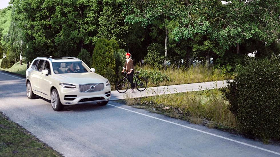 Un casco conectado con los coches puede salvar la vida de los ciclistas