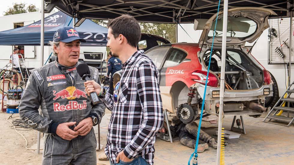Entrevistamos a Carlos Sainz en los test del Peugeot 208 T16 R5 (vídeo)