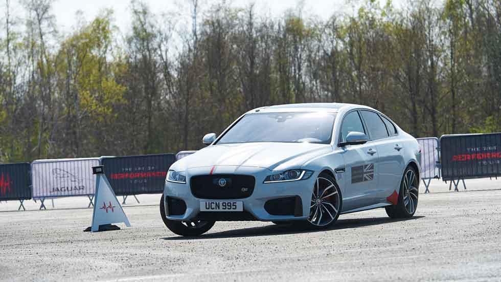 Jaguar Smart Cones Tech: enfrenta tus reflejos a los de Romain Grosjean (vídeo)