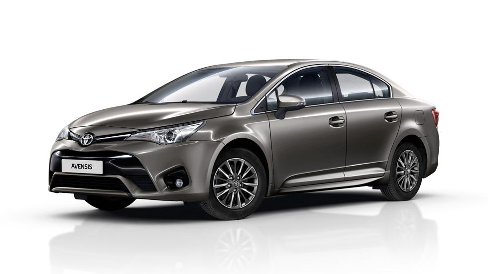 Toyota Avensis 2016, tecnología renovada