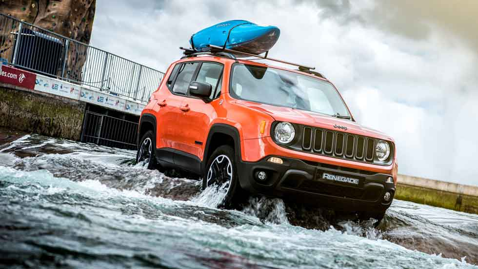 Un Jeep Renegade haciendo rafting (vídeo y fotos)