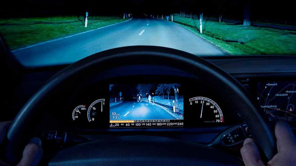 Dudas: ¿cómo funcionan los sistemas de visión nocturna de los coches?