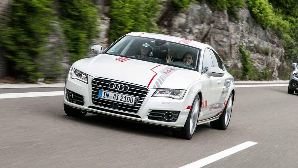 Así viaja el coche autónomo de Audi por una autopista (vídeo)