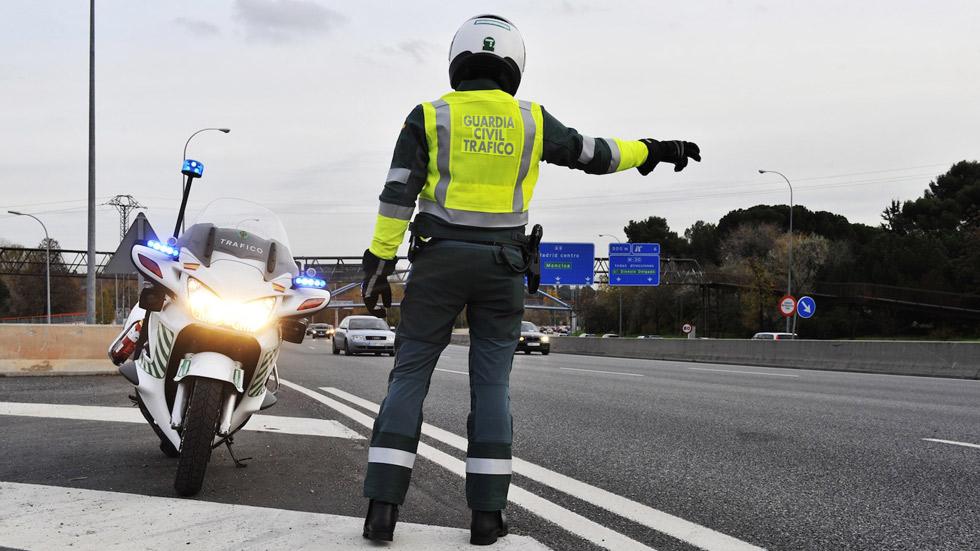 Tráfico multa a cerca de 25.000 conductores en una semana