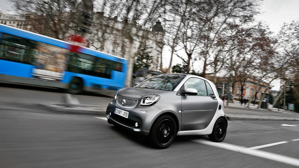 Smart Fortwo Coupé 90 Twinamic: a fondo un gran Smart