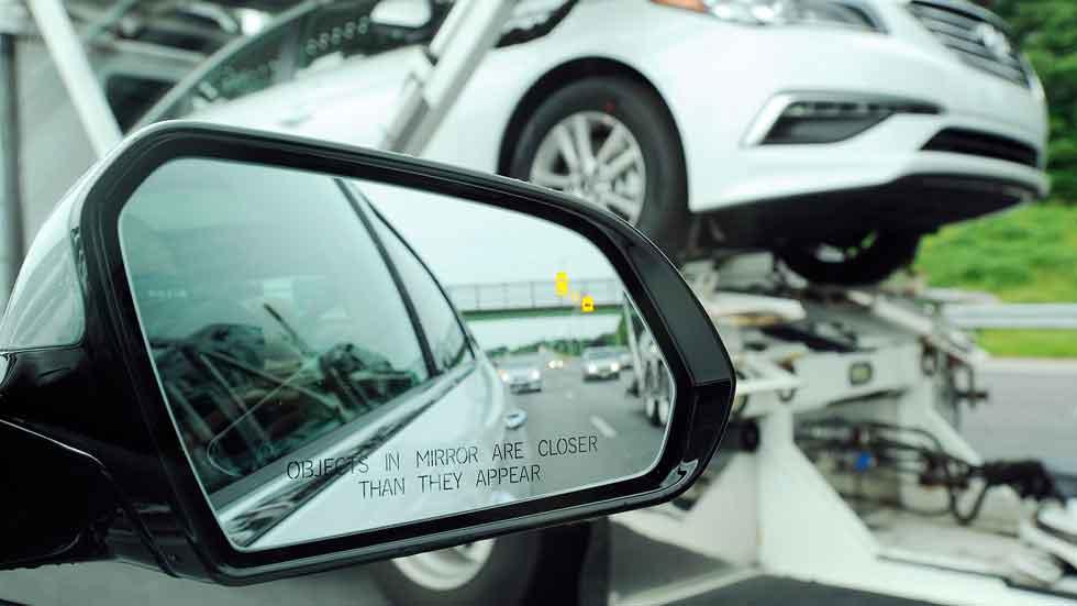 Así robaba los espejos retrovisores de los coches (vídeo)