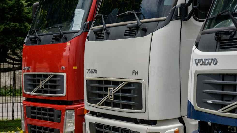 Camiones, autobuses y remolques, los vehículos que menos pasan la ITV