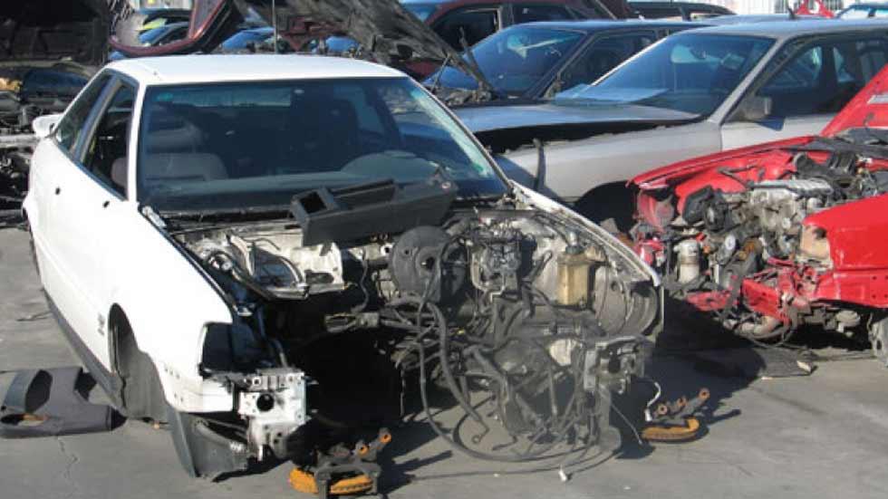 Desguazaban coches de alquiler y denunciaban luego su robo