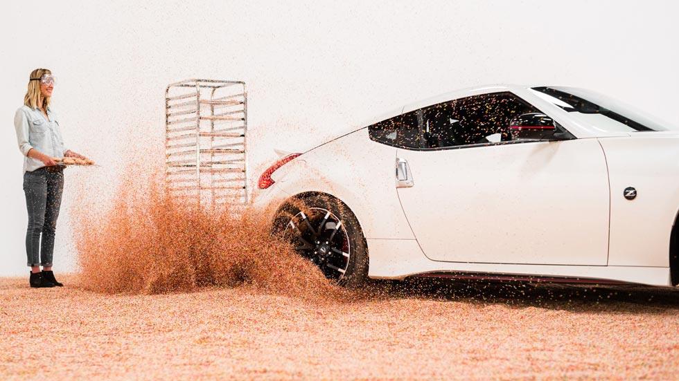 Nissan celebra el Día Nacional del Donut… a derrapes con el 370Z Nismo