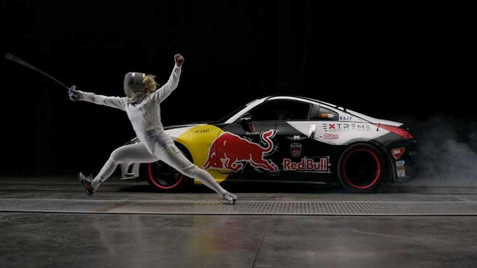 ¿Qué es más rápido, un coche de carreras o un esgrimista? (Vídeo)