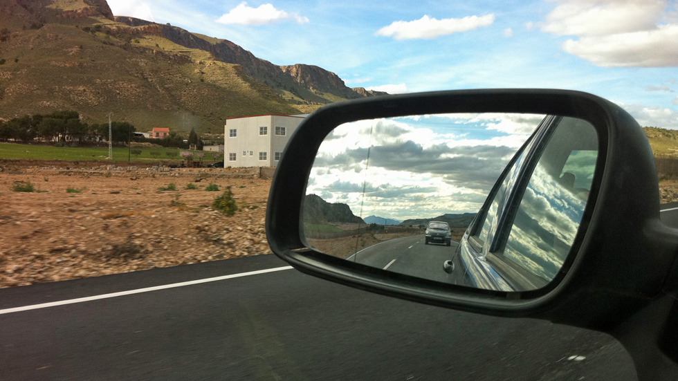 Llegó el verano: trucos para una conducción segura en vacaciones