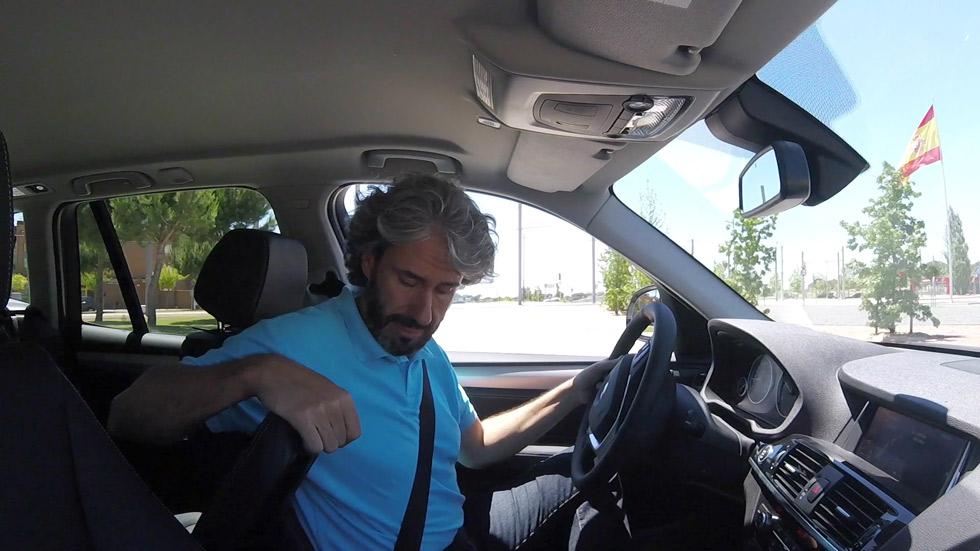 Más de 15 millones de conductores se distraen al volante