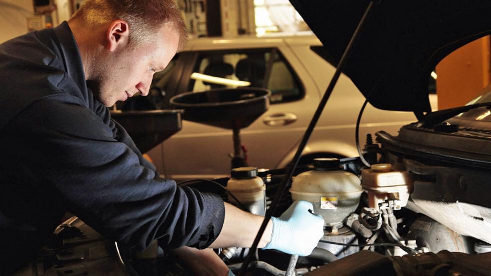 ¿Cuánto cuesta el mantenimiento de los coches más vendidos?