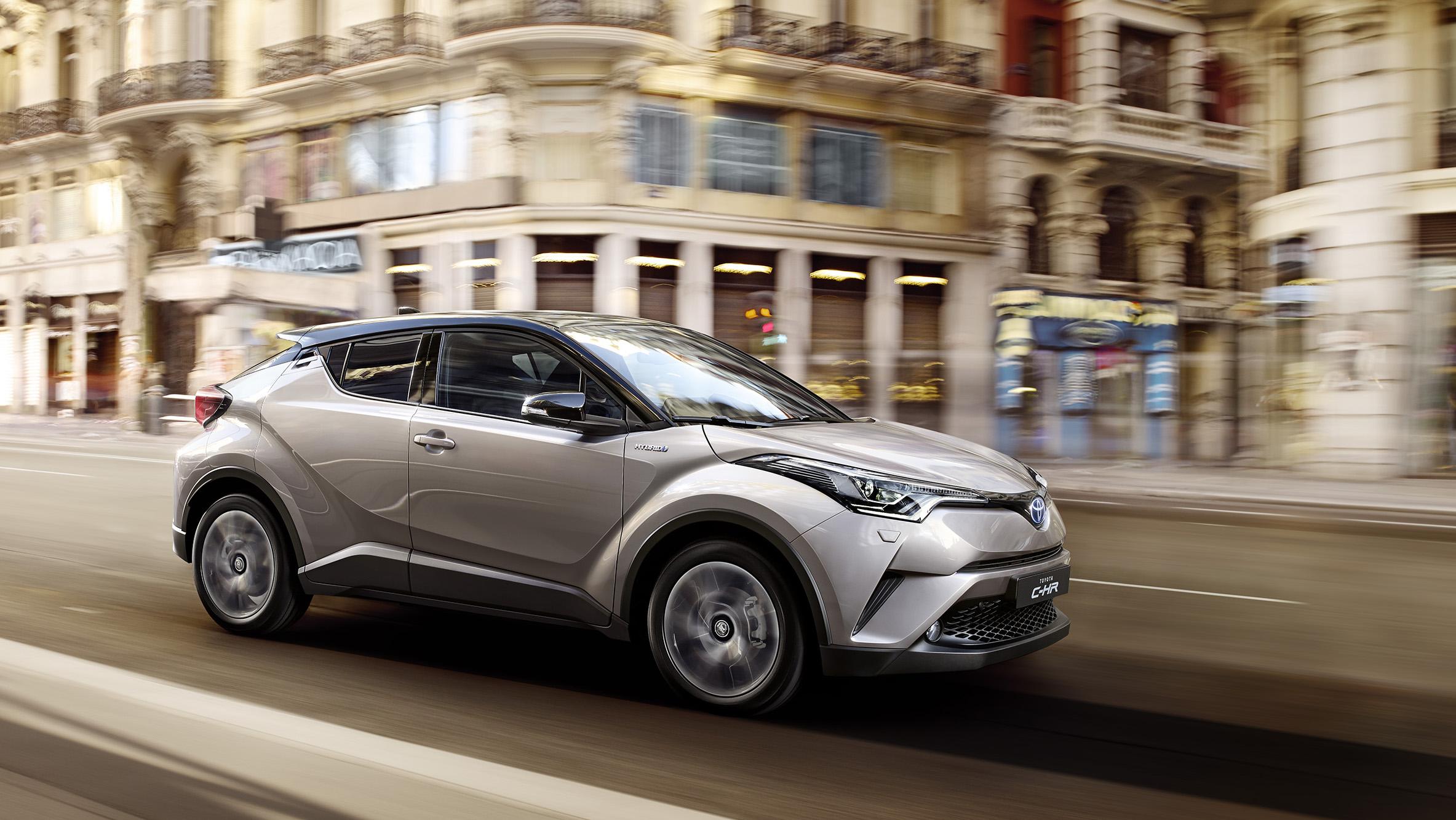 Toyota C-HR: nuevas fotos del SUV e interior desvelado