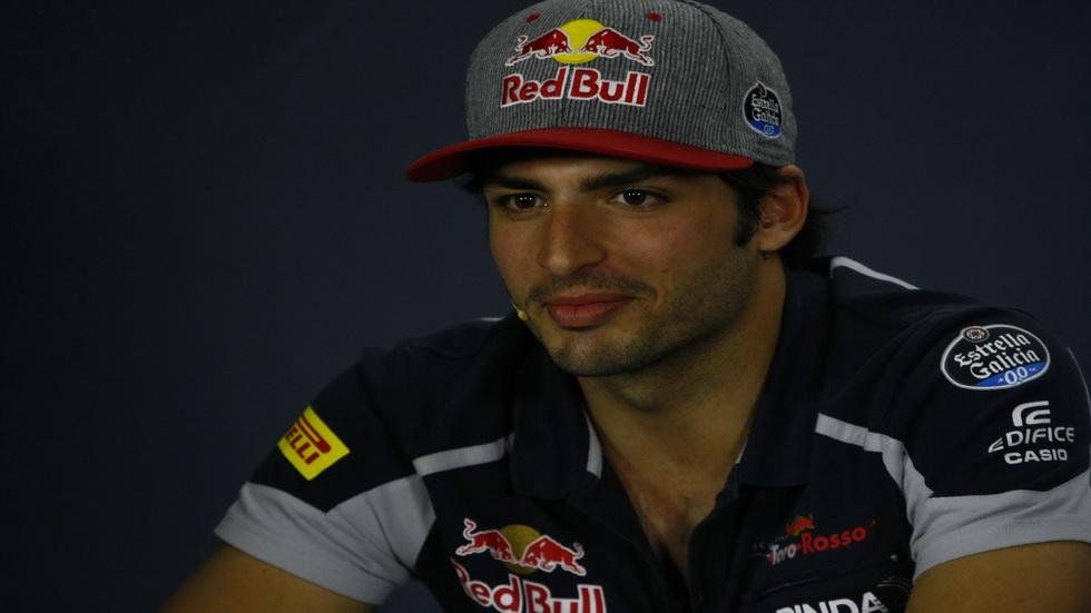 Carlos Sainz, renovado en Toro Rosso