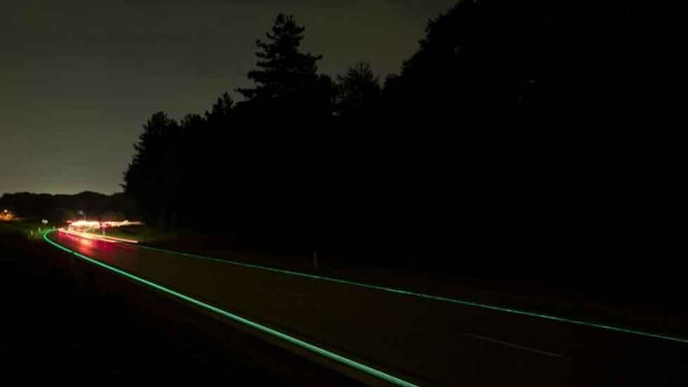¿Cómo serán las autopistas del futuro? Eléctricas, fosforescentes...
