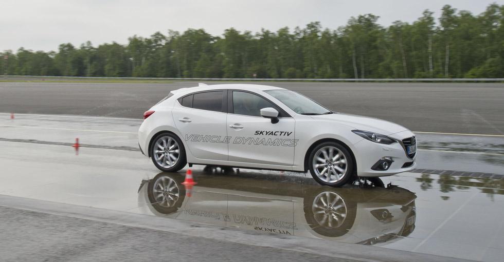 El Mazda3 estrena de serie el sistema G-Vectoring (GVC)