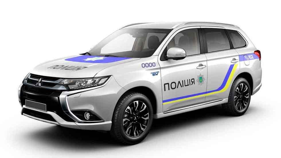 El Mitsubishi Outlander híbrido plug-in, el nuevo coche de la policía ucraniana