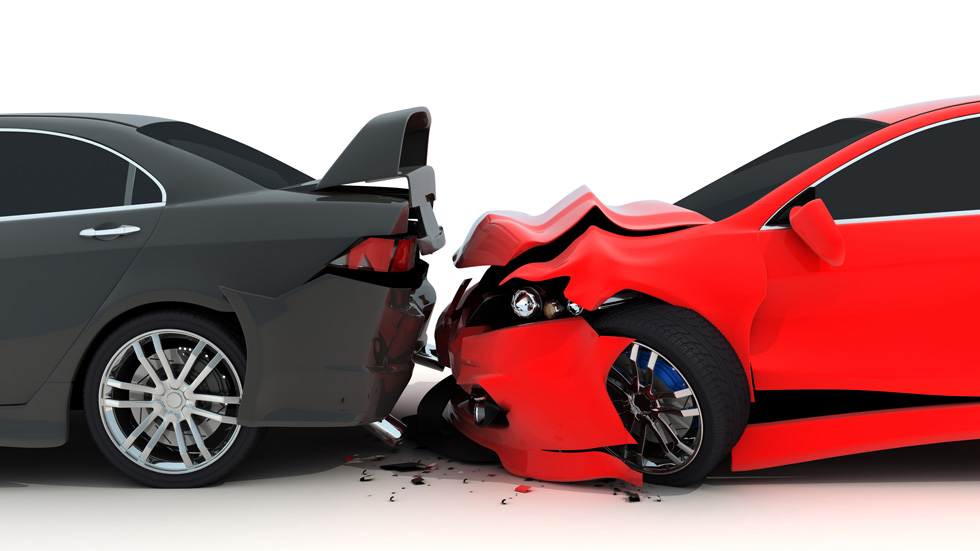Choque de tres coches en cadena: ¿cuál o cuáles tienen la culpa?